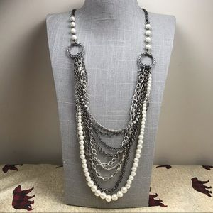 Jewelry - Chunky mixed metal pearl multi strand necklace